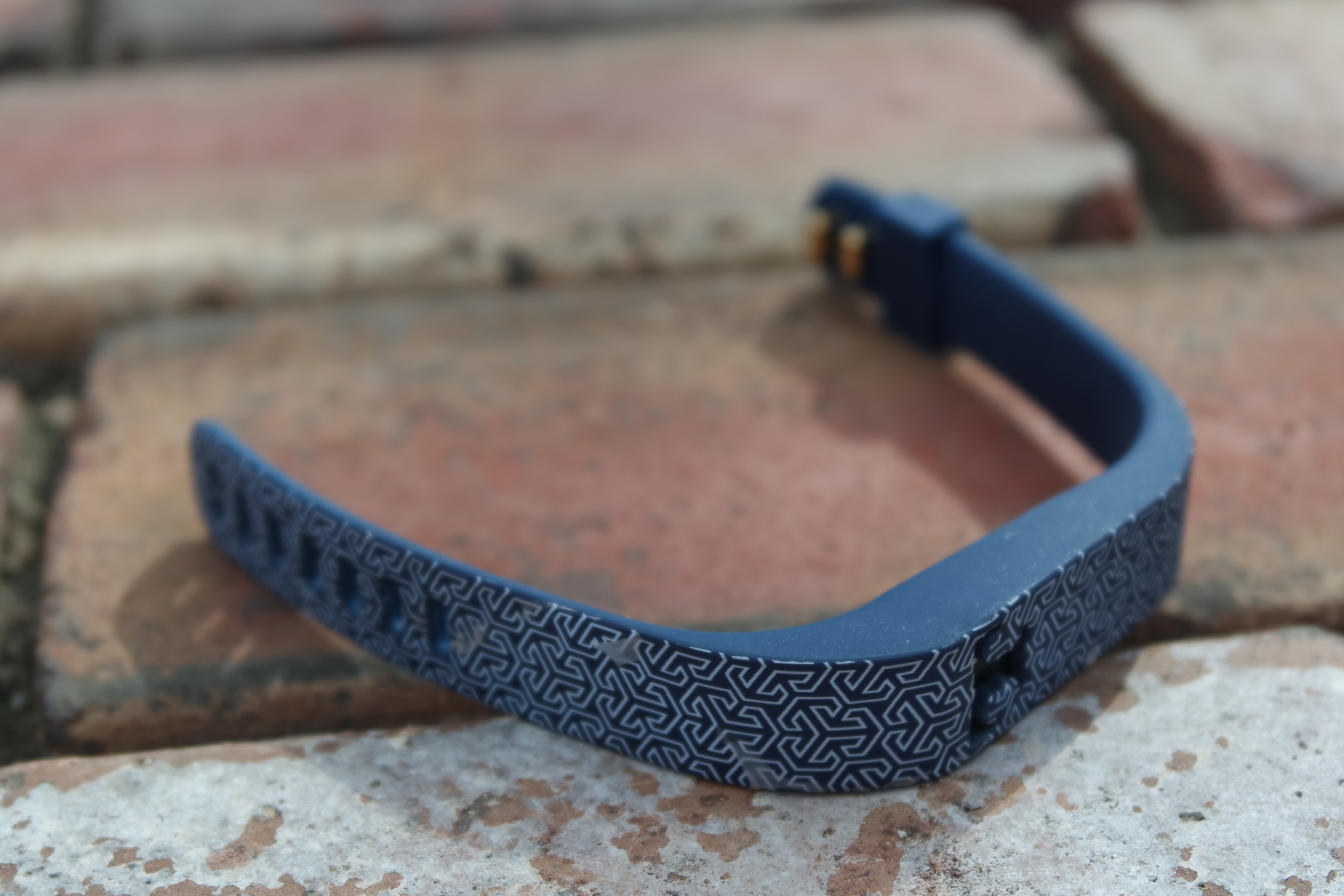 how to clean my fitbit band