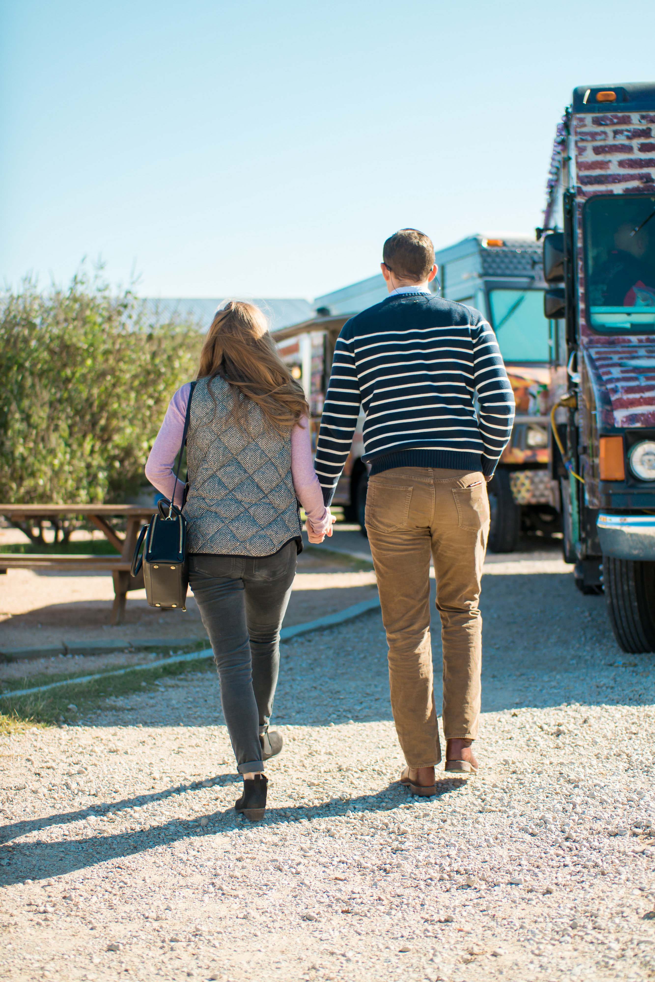Food Trucks and Frills – The Perfect Day Date Outfit