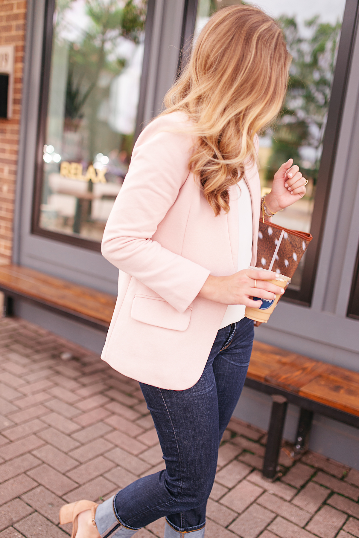 96eb7962b291 This pale pink blazer was a great option. Keep reading for some pink blazer  outfit inspiration.