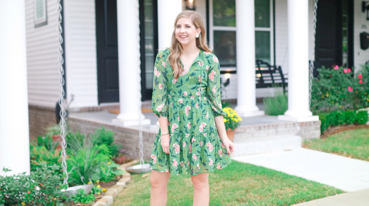 What To Look For In Fall Floral Dresses