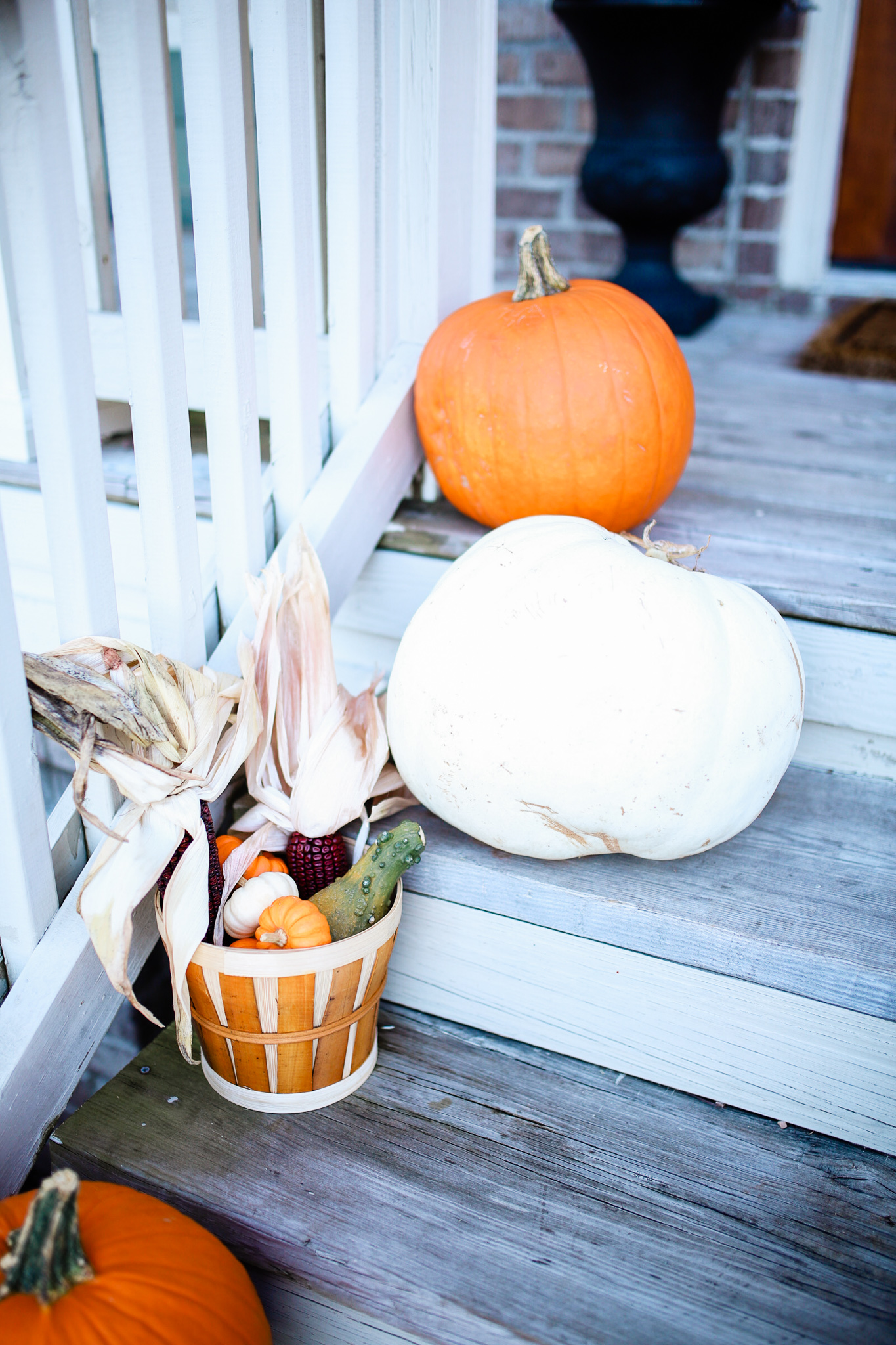 Simple Fall Home Decor with Pumpkins