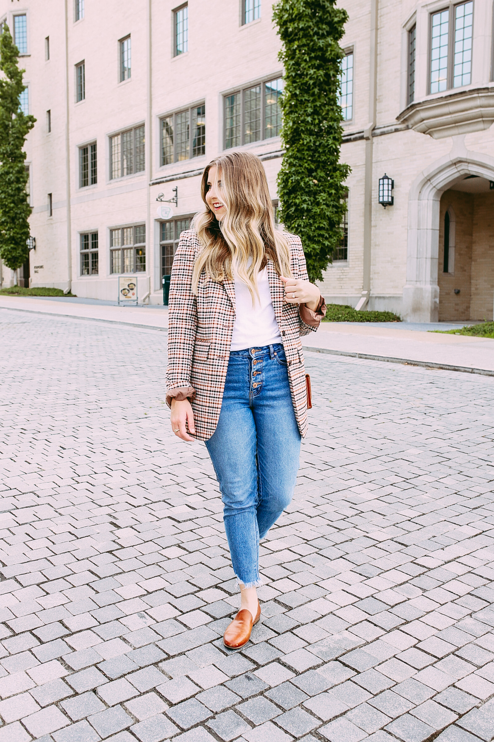 Fall Business Casual Outfit Inspiration with a Plaid Blazer